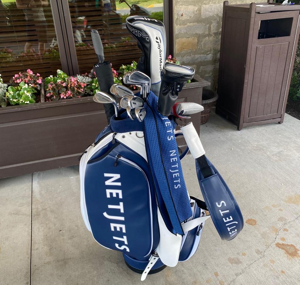 NetJets golf bag